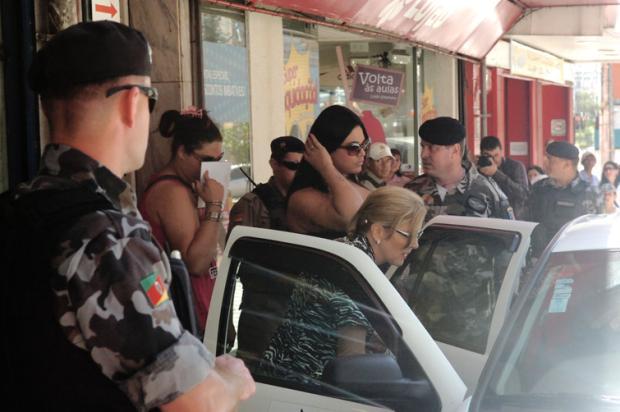 Apartamentos onde travestis se prostituíam no Centro de Caxias foram interditados Roni Rigon/