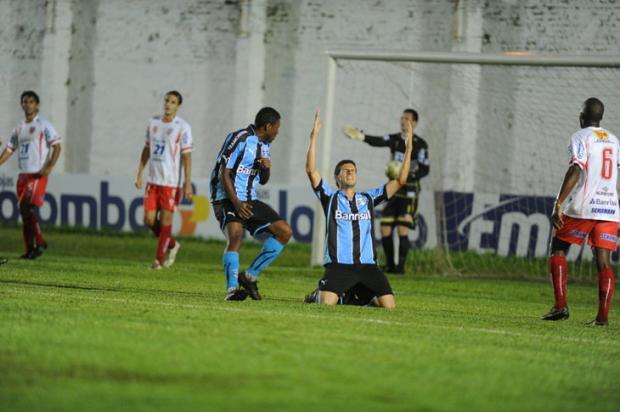 3b17f1d9bf Grêmio vence São Luiz e fica com a melhor campanha do 1º turno do Gauchão  Valdir