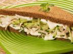 Na Cozinha: aprenda a fazer um sanduíche caprichado de frango com hortelã Divulgação/Divulgação