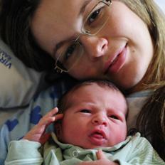 Danilo Henrique De Leão é um dos primeiros bebês a nascer em Caxias do Sul, em 2012 Roni Rigon/
