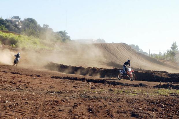 Município ingressa com ação de reintegração de posse de pista de motocross em Caxias Cristofer Giacomet/