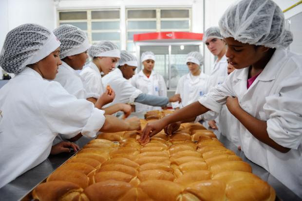 Casa Anjos Voluntários prepara jovens em situação de risco para o mercado de trabalho em Caxias do Sul Maicon Damasceno/