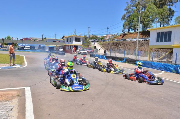 Regional da Serra de Kart teve 50 pilotos na última etapa, em Farroupilha Antonio Sérgio Oliveira, divulgação/