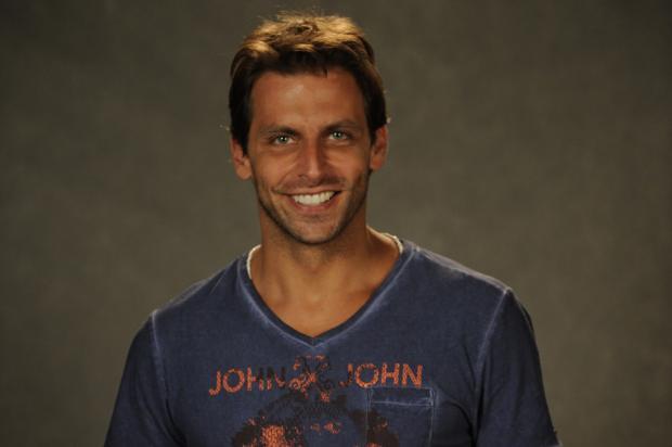 Henri Castelli revela que seu papel em 'Flor do Caribe' ficará marcado Renato Rocha Miranda/ TV Globo, divulgação/