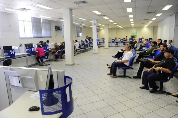 Lentidão em atendimento causa tumulto no INSS em Caxias do Sul Porthus Junior, Agência RBS/