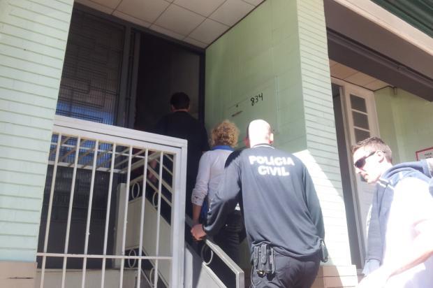 Começa reconstituição da morte de bandido por idosa em Caxias do Sul Róger Ruffato/ Agência RBS/
