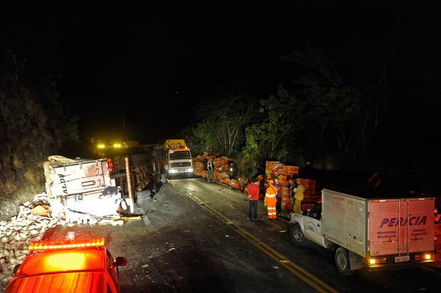 Trânsito segue bloqueado na ERS-122, entre Flores da Cunha e Antônio Prado Juan Barbosa, Agência RBS/