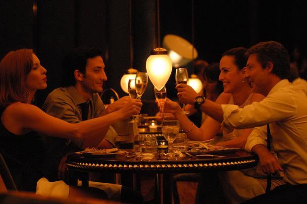 Comédia argentina '2 Mais 2' estreia na Sala de Cinema Ulysses Geremia  Divulgação /