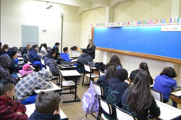 Aulas da Escola Luiz Covolan, de Caxias do Sul, iniciaram nesta segunda-feira na Faculdade do Imigrante Vitória Gobbi, divulgação/