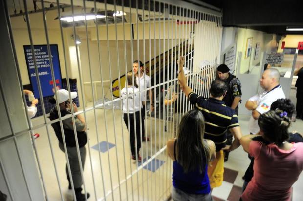 """""""Meu filho era perseguido por traficantes"""", diz pai de jovem morto em hipermercado de Caxias Porthus Junior/Agencia RBS"""