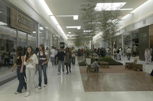 Passear nos shoppings de Caxias do Sul também é exercício de etiqueta Nereu de Almeida/Agencia RBS