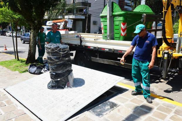 Contêiner subterrâneo de lixo é testado na Rua Alfredo Chaves, em Caxias do Sul Andréia Copini/divulgação