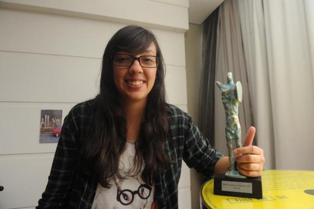 Escritora radicada em Caxias do Sul leva troféu de Contos no Açorianos Roni Rigon/Agencia RBS