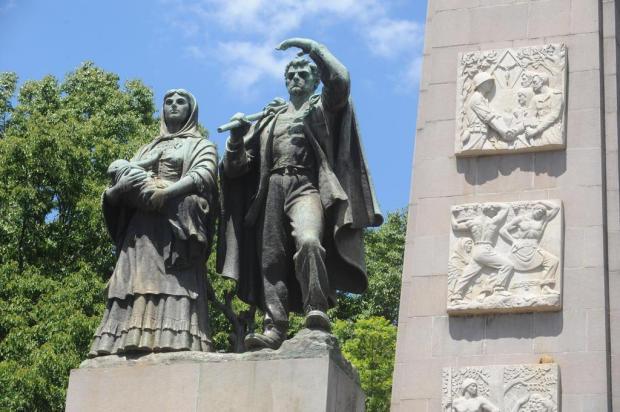 Monumento ao Imigrante, de Caxias do Sul, será cercado em fevereiro Roni Rigon/Agencia RBS