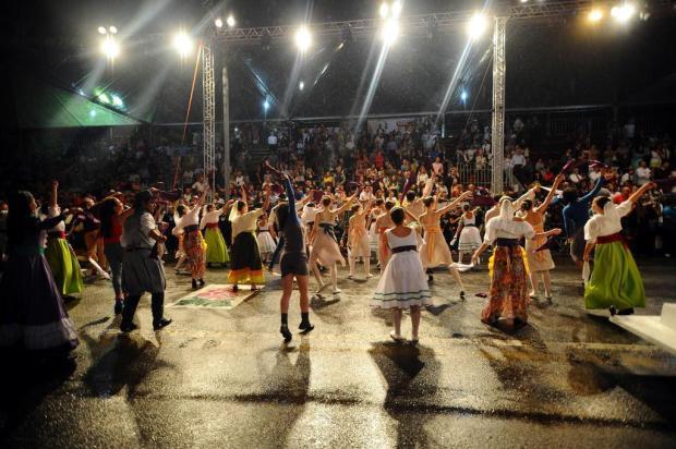 Vídeo ensinará ao público coreografia do desfile da Festa da Uva Diogo Sallaberry/Agencia RBS