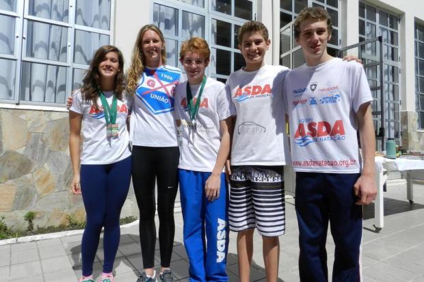 Nadadores caxienses conquistam bons resultados em Pelotas Ivan Tisatto/Divulgação