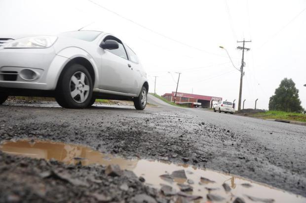 Obras de recuperação asfáltica provocam restrições no trânsito de Caxias Roni Rigon/Agencia RBS