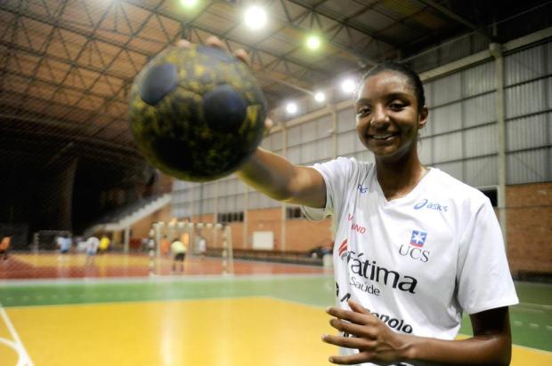 Seleção de handebol, com atletas de equipe caxiense, avança no Mundial juvenil feminino Roni Rigon/Agencia RBS