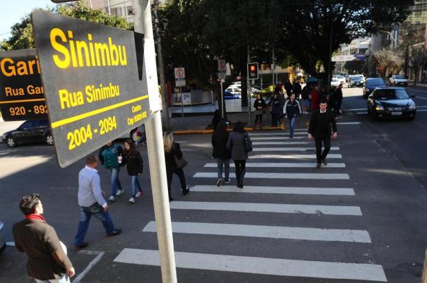 Novas placas com nomes de ruas são instaladas em Caxias Diogo Sallaberry/Agencia RBS