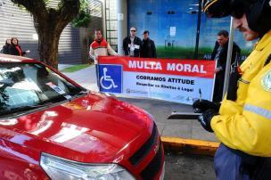 Ação pede conscientização aos motoristas de Caxias do Sul (Jonas Ramos/Agencia RBS)