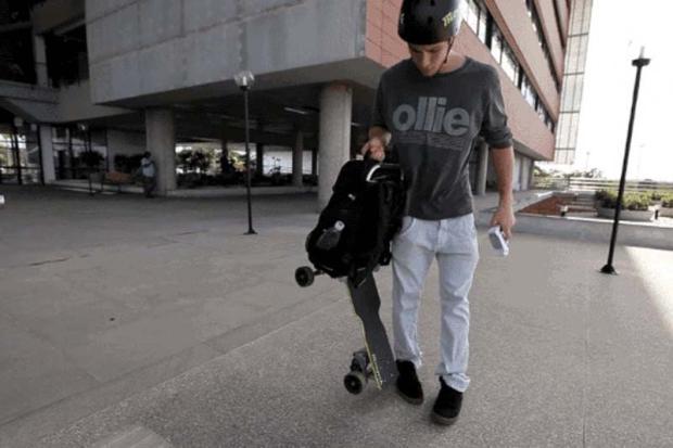 Mochila que vira skate elétrico é criada por startup brasileira Divulgação/MovPak