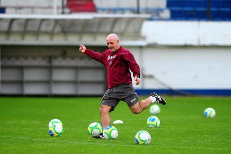 Itamar Schulle sinaliza que Preto será titular e descarta iniciar o jogo contra Madureira com três meias de ligação (Jonas Ramos/Agencia RBS)