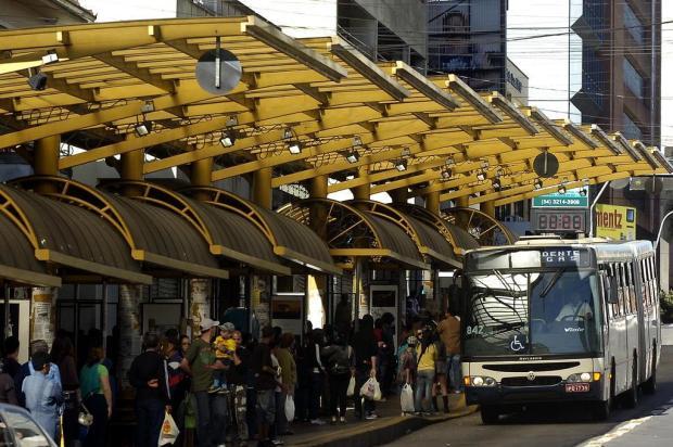 Segundo prefeitura, 28% das passagens registradas em março nos ônibus da Visate foram gratuitas Foto: Juan Barbosa / Agencia RBS