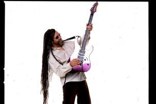 Um dos precursores do rock gaúcho, Luis Vagner é atração em Caxias do Sul nesta quinta (Ver Descrição/Ver Descrição)