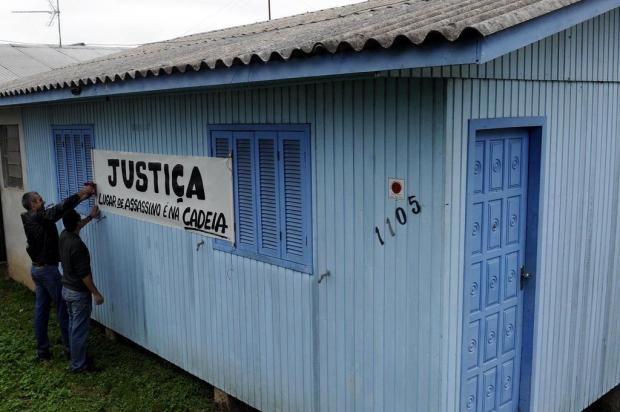 Relembre o protesto em frente à casa de Eduardo Farenzena, em Caxias, após a morte da miss Juan Barbosa/Agencia RBS