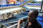 Haitiana está abrigada no Aeroporto Salgado Filho há quatro dias   (Félix Zucco/Agencia RBS)
