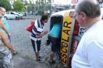 Van escolar e carro colidem em Caxias do Sul