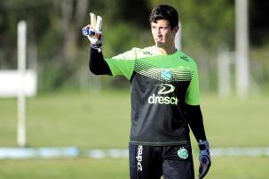 De saída do Juventude, goleiro Airton será preservado do jogo contra o Londrina Porthus Junior/Agencia RBS