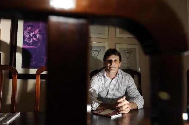 Escritor Flávio Luis Ferrarini morre em acidente de trânsito, em Flores da Cunha Roni Rigon/Agencia RBS