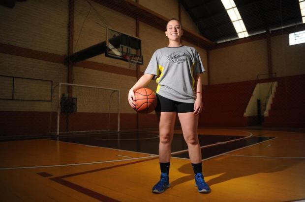 Em busca do sonho de ser profissional, caxiense vive experiência no basquete colegial norte-americano Felipe Nyland/Agencia RBS