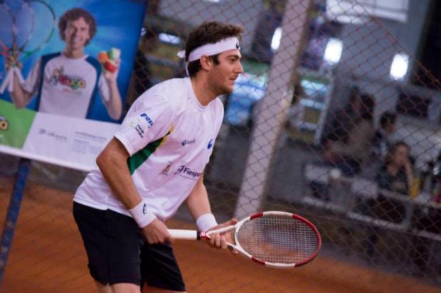 Tenista caxiense Marcelo Demoliner é campeão de torneio de duplas na Inglaterra Gisa Fedrizzi/Divulgação
