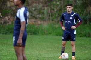 Vilar fecha treinos e indica surpresas na escalação do Caxias para o clássico Felipe Nyland/Agencia RBS