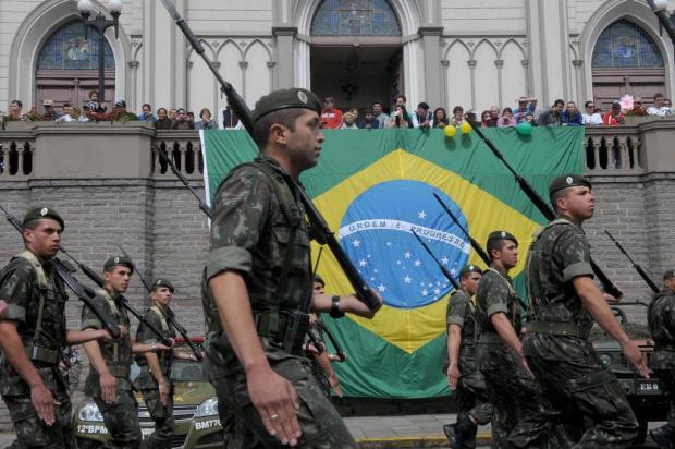 Neste ano, desfile de Sete de Setembro acontece na Rua Sinimbu em Caxias Roni Rigon/Agencia RBS