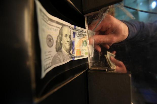 Dólar chega a ser vendido a R$ 4,33 em agências de câmbio de Caxias do Sul  Jefferson Botega/Agencia RBS
