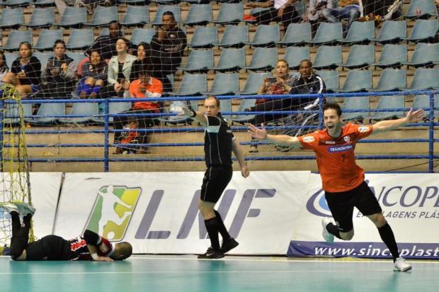 ACBF faz 4 a 1 no São Paulo e larga na frente nas quartas da Liga Futsal Ulisses Castro/Divulgação