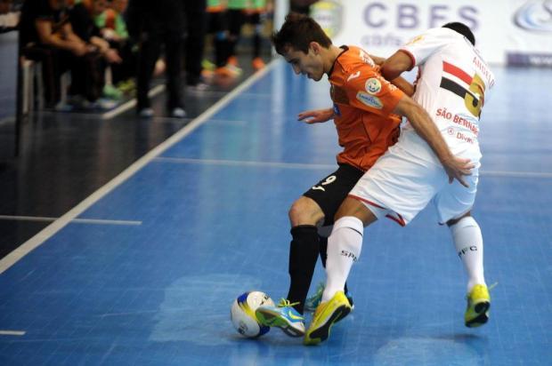 ACBF bate o São Paulo por 4 a 2 e encara o atual campeão Sorocaba nas semifinais Felipe Nyland/Agencia RBS