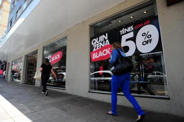 ed6e18b548d Black Friday vai além da internet e chega com força nas lojas físicas de  Caxias Porthus