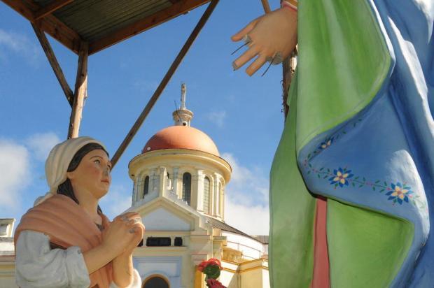 Imagem de Nossa Senhora de Caravaggio, em Farroupilha, é atacada Roni Rigon/Agencia RBS