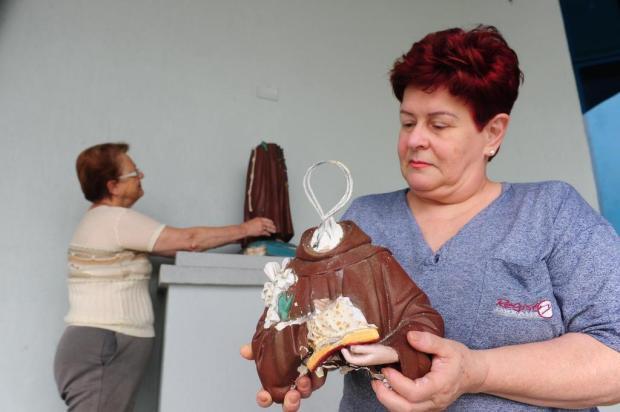 Santo Antônio é quebrado na paróquia do bairro Cinquentenário, em Caxias Roni Rigon/Agencia RBS