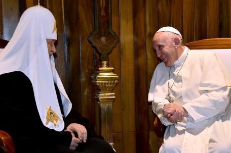 Papa tem encontro histórico com patriarca ortodoxo em Cuba (GABRIEL BOUYS/AFP)