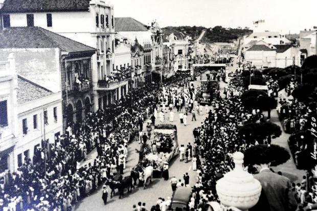 Memória: Festa da Uva, um desfile pela Júlio em 1950 Geremia/Divulgação