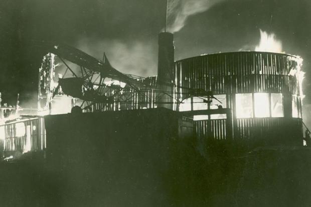 Memória: o incêndio do Duque de Caxias em 1950 Reno Mancuso/acervo Instituto Memória Histórica e Cultural da Universidade de Caxias do Sul