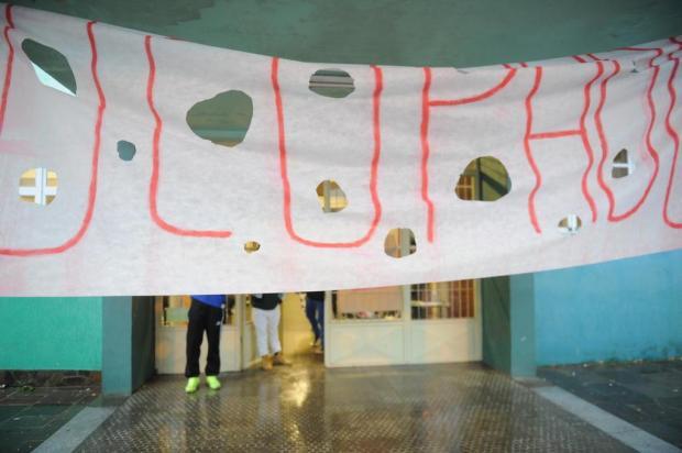 Contra políticos, jovens que ocupam escolas são protagonistas em greve Diogo Sallaberry/Agencia RBS