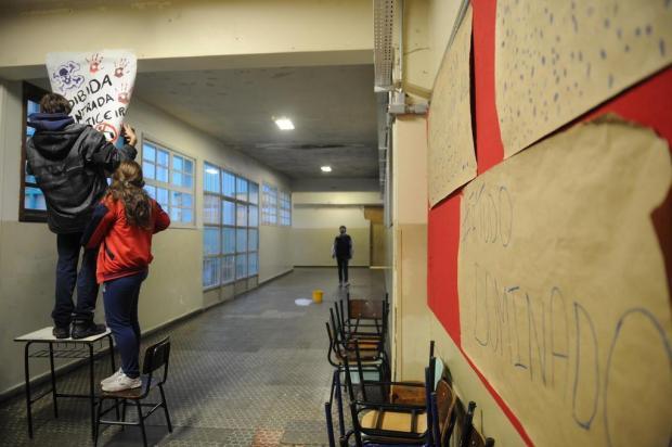 Desanimados, professores têm receio de demissões e resistem em aderir à greve Diogo Sallaberry/Agencia RBS