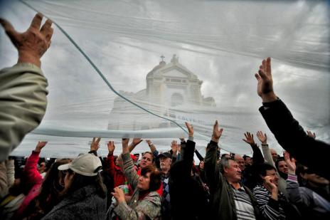 180 mil fiéis consagram Nossa Senhora de Caravaggio, em Farroupilha (Diogo Sallaberry/Agencia RBS)