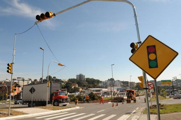 Semáforos do Trevo da Santa Rita, em Farroupilha, devem ser consertados nesta segunda-feira Jonas Ramos/Agencia RBS